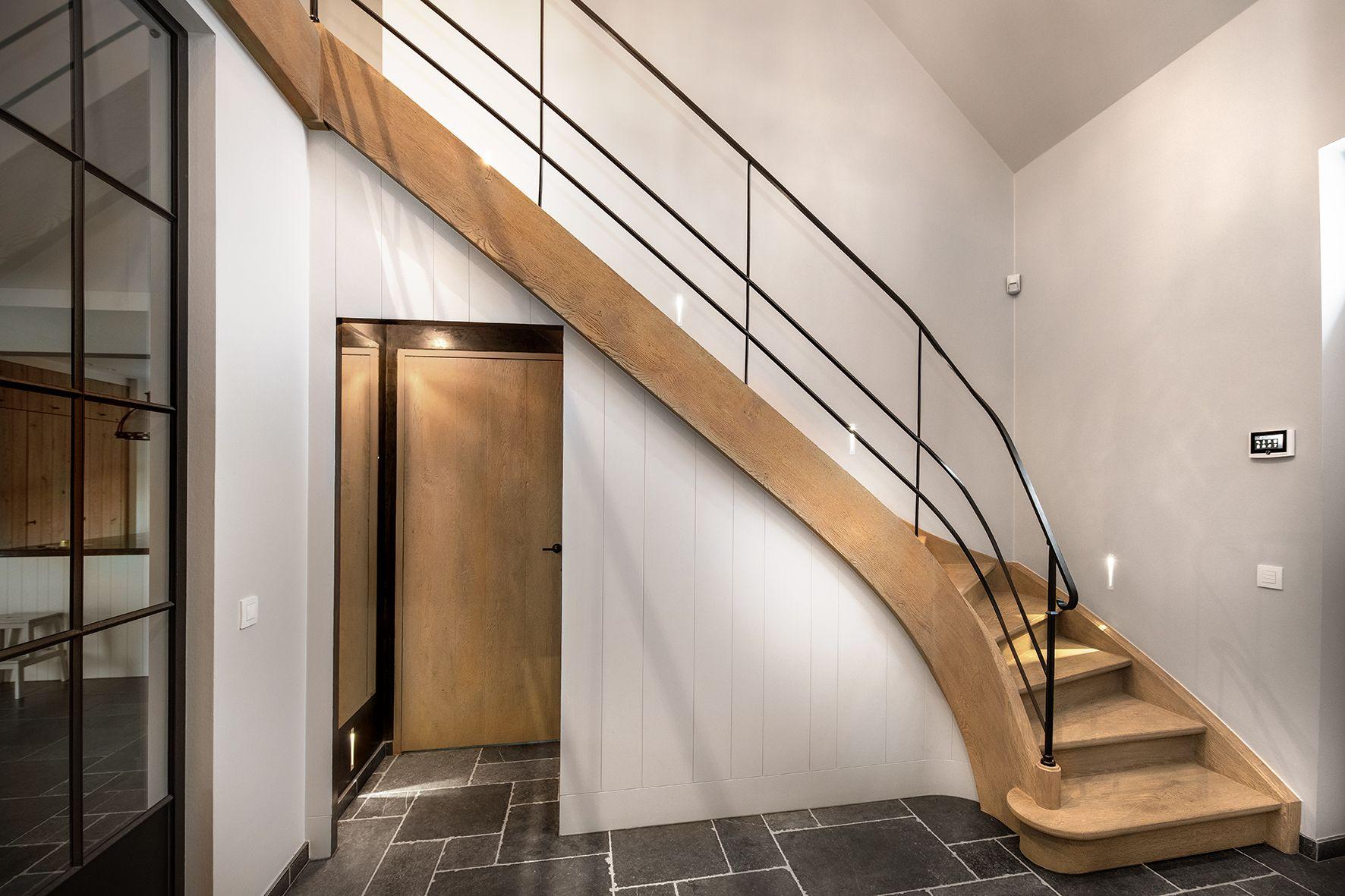 Super Trap met smeedwerk trapleuning | Houten trap op maat | Trap maken YZ-74