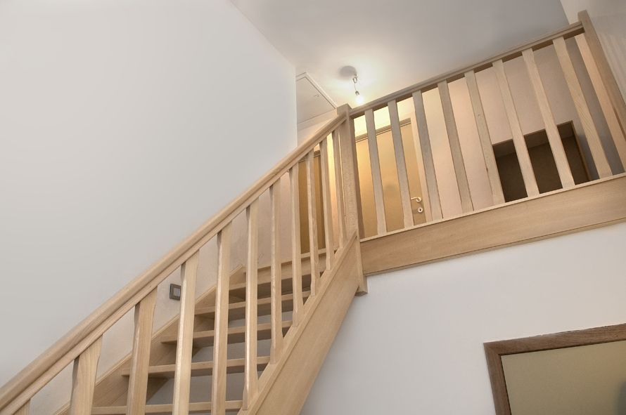 Houten Trap Ideeen : Moderne trappen in hout of metaal kwaliteit van trappen smet