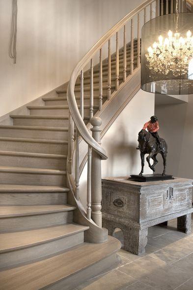 Klassieke trappen houten trappen trap aan de beste prijs Couleur escalier bois