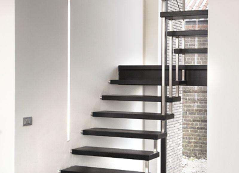 Trappen met inoxbouten design moderne trappen trap kopen - Moderne designtrappen ...