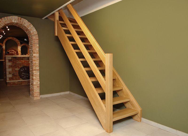 Houten trappen en deuren trappen smet for Trap op maat bestellen